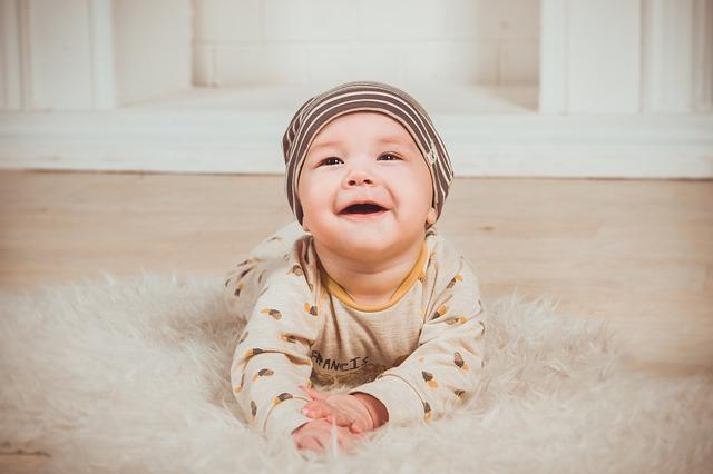 kojenec na koberečku.jpg