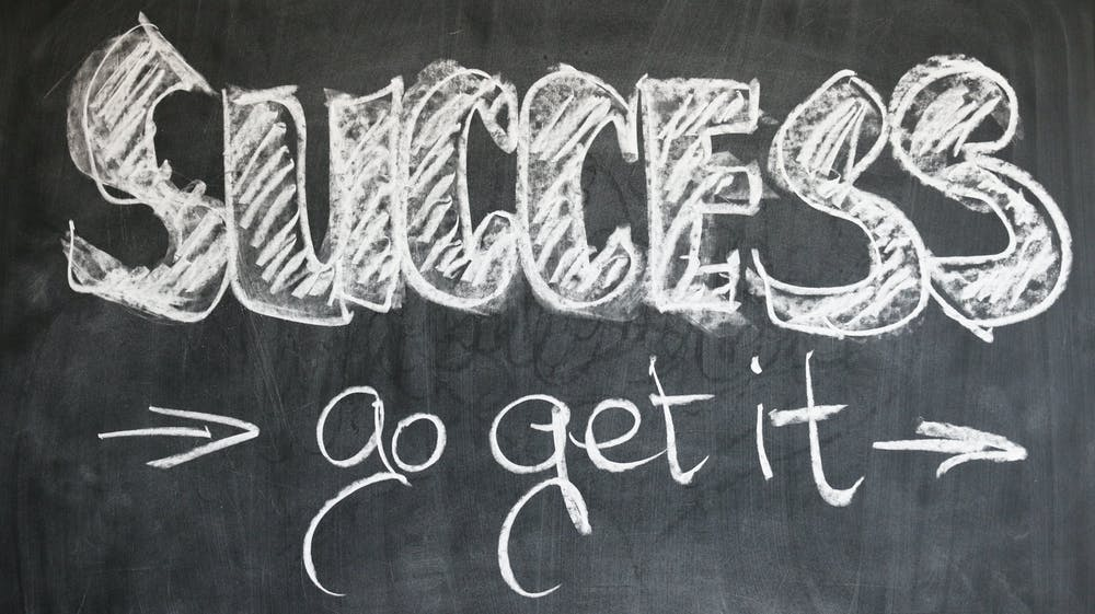nápis úspěch